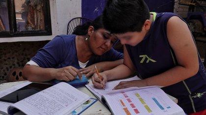 Alumnos toman clases desde casa actualmente en todos los estados. (Foto: Cuartoscuro)