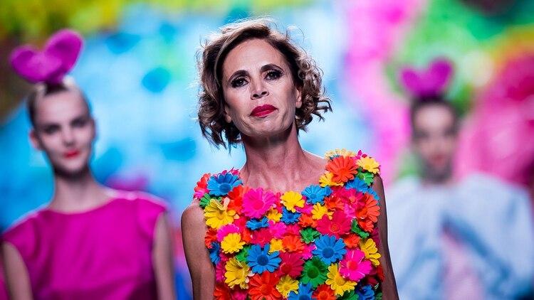 89c85dfe56 En los últimos años Ágatha Ruiz de la Prada llena de prendas multicolor los  armarios a