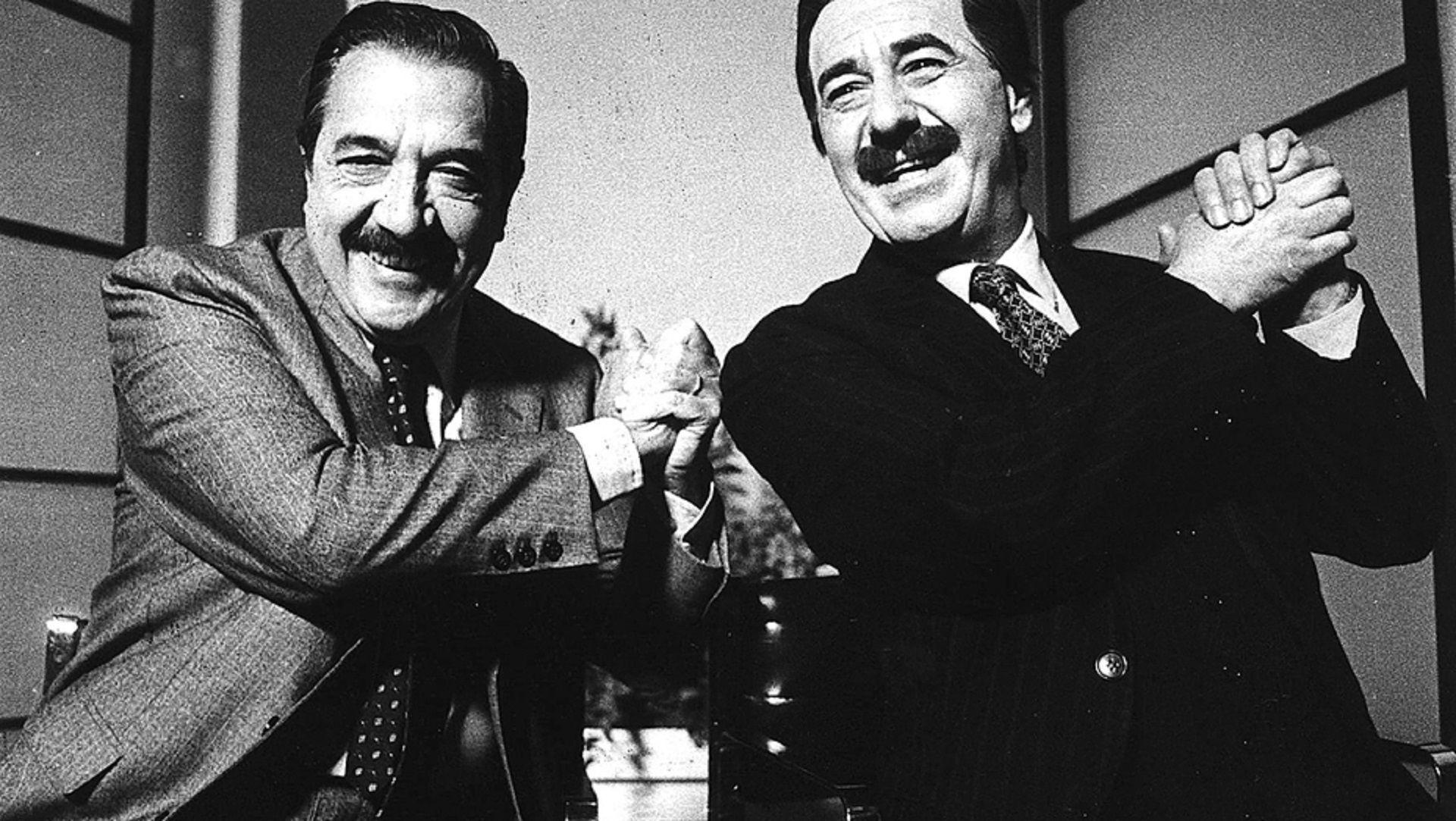El humorista e imitador Mario Sapag junto al entonces presidente Raúl Alfonsín