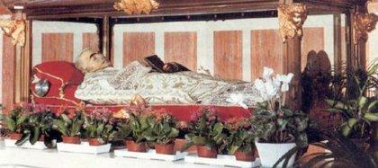 Santos incorruptos. San Luis Orione fue sometido a un tratamiento de saponificación