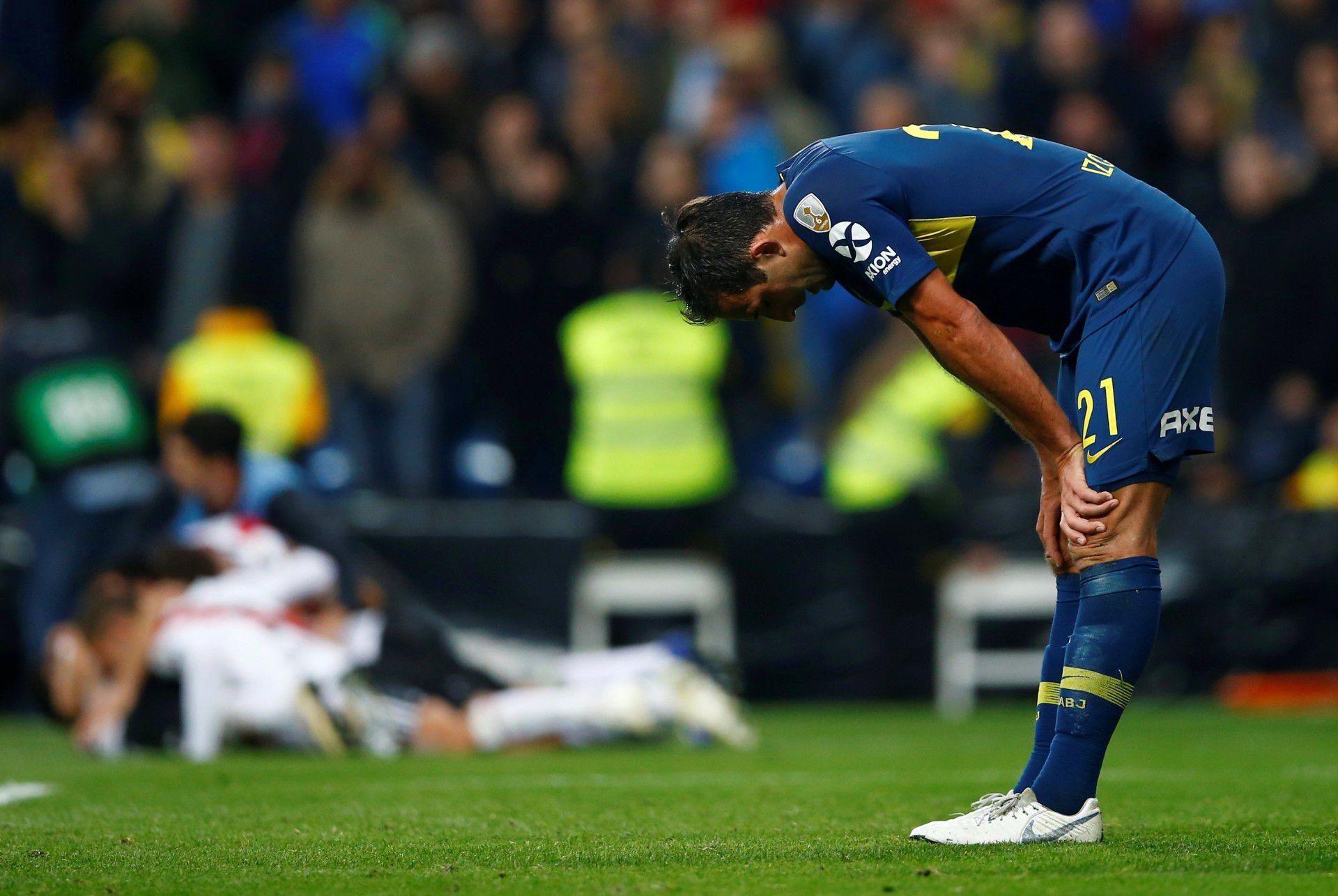 """Izquierdoz siempre fue recriminado por ser """"la foto de la derrota"""" de Boca ante River: ayer se reivindicó y cerró su herida (REUTERS/Javier Barbancho)"""