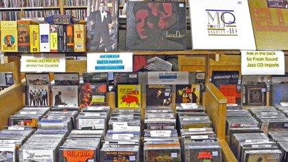Fotografía de la amplia variedad de discos que ofrece la disquería Academy Records (Academy Records)