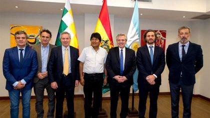La comitiva argentina: Juan Zabaleta, Gabriel Katopodis, Felipe Solá, Alberto Fernández, Santiago Cafiero y Miguel Cuberos