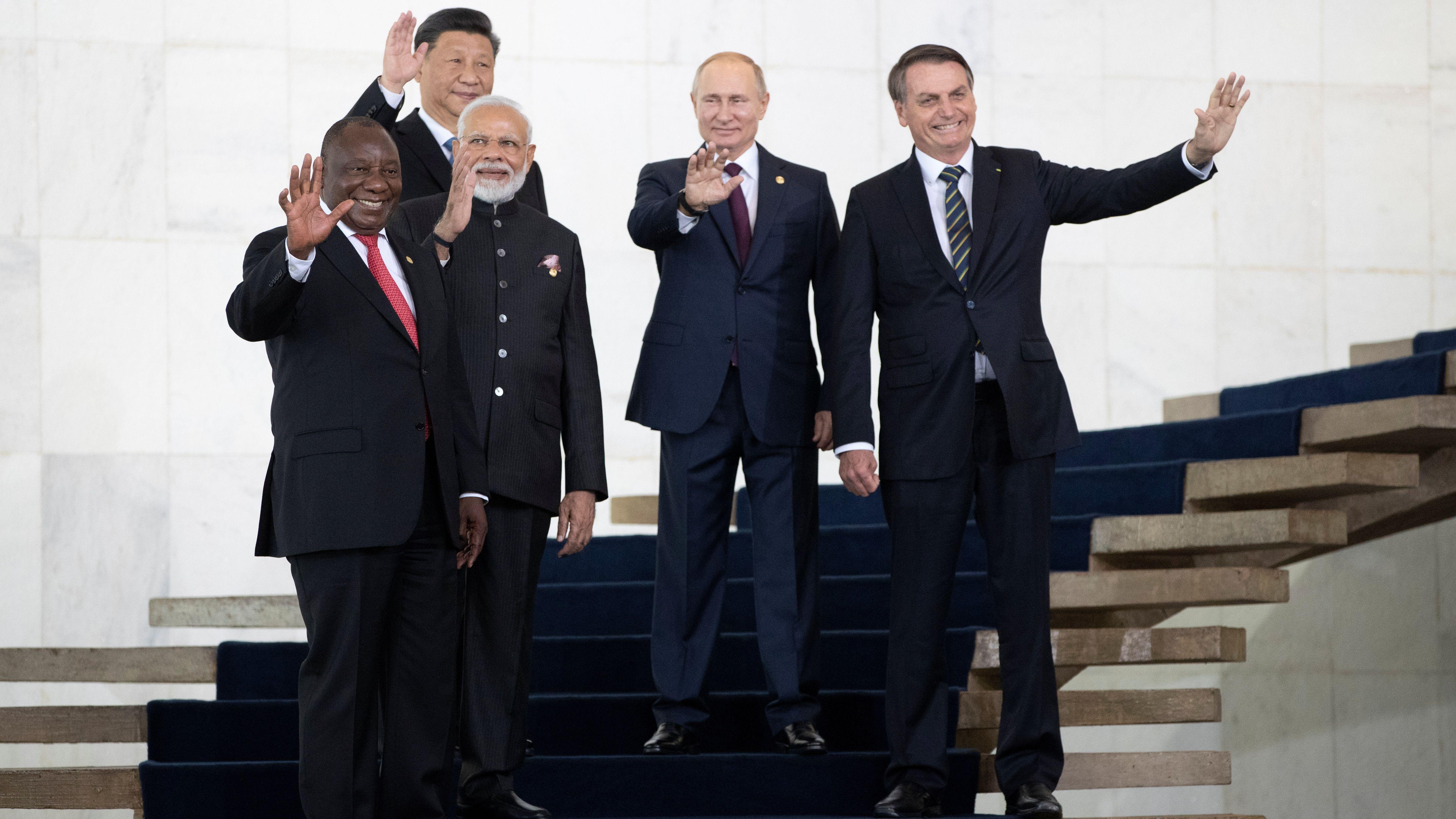 En la Cumbre de jefes de Estado del BRICS, Bolsonaro inició conversaciones con Xi Jinping para un acuerdo de libre comercio entre Brasil y China