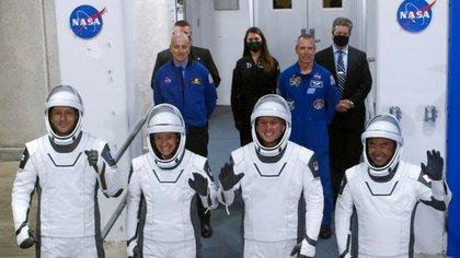 SpaceX se prepara para lanzar hoy una misión tripulada hacia la Estación Espacial Internacional
