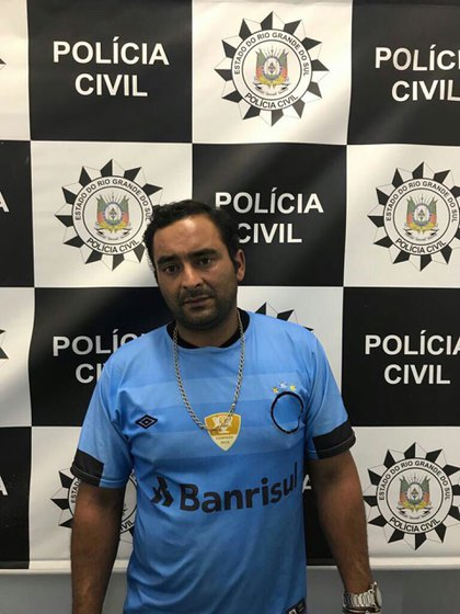 Uno de los cuatro arrestados