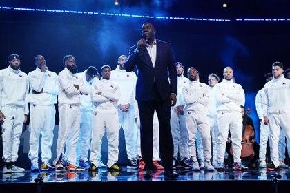 Magic Johnson llevó adelante los homenajes (USA TODAY Sports)
