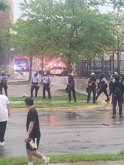 La policía es vista durante una protesta después de la muerte de George Floyd (ANDY SWENSON via Reuters)