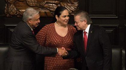 Andrés Manuel López Obrador, Mónica Fernández y Arturo Zaldívar (Foto: Moisés Pablo/ Cuartoscuro)
