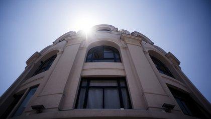 el Edificio de Renta Bencich del barrio de San Nicolás es una imponente figura en Diagonal Norte (Adrián Escandar)