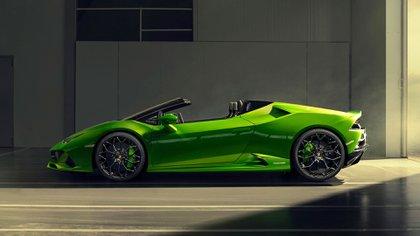 El convertible ofrece capota de lona de varios colores, que tarda 17 segundos en abrirse.