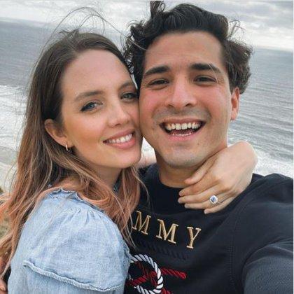 La pareja anunció su compromiso en mayo de 2020 FOTO: Instagram/@erikabatiz