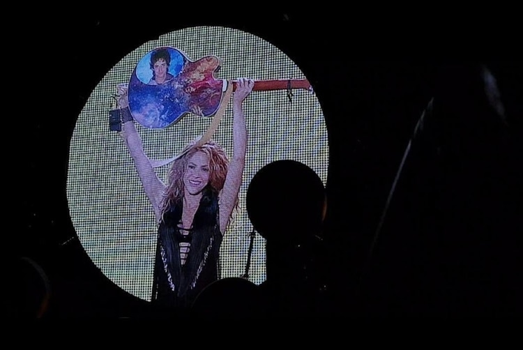 Shakira recordó a Cerati en un show