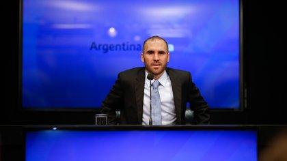 Continúa la tensión interna con Guzmán: el kirchnerismo quiere que el dinero que negocia con el FMI no sea usado para pagar deuda