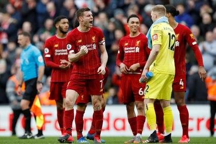 La Premier League se reanudaría en junio (REUTERS)