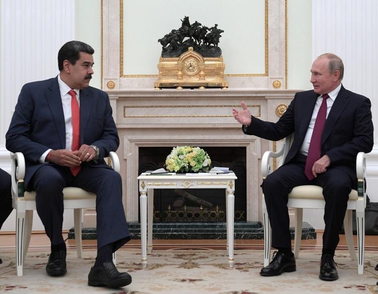 Nicolás Maduro junto a Vladimir Putin en su encuentro el miércoles