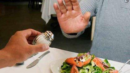 Es importante cambiar los hábitos de consumo de sal