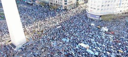Protestas en el Obelisco el 12 de octubre pasado (Thomas Khazki)