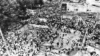 Miembros de la policía e incluso tanques antimotines salieron a las calles para controlar la marcha estudiantil Foto: Archivo