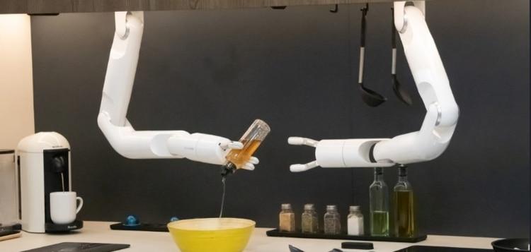 Bot chef, un cocinero robótico que cocina lo que le pide el usuario.