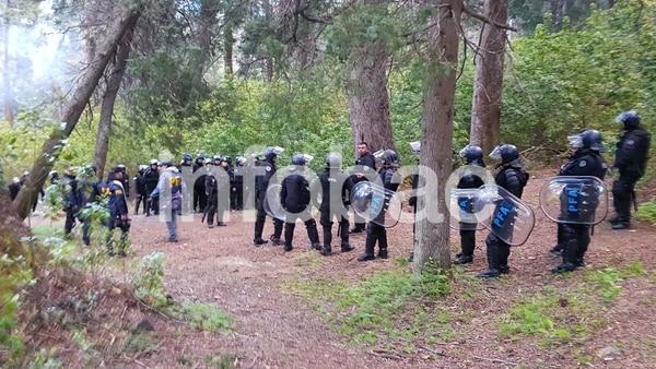Allanamiento de la Policía Federal en Villa Mascardi