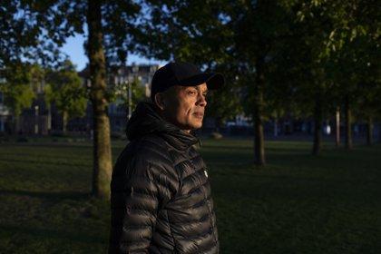 Octave Durham, quien robó dos Van Goghs en 2002, cerca del Museo Van Gogh en Ámsterdam, el 15 de mayo de 2020. (Ilvy Njiokiktjien/The New York Times)
