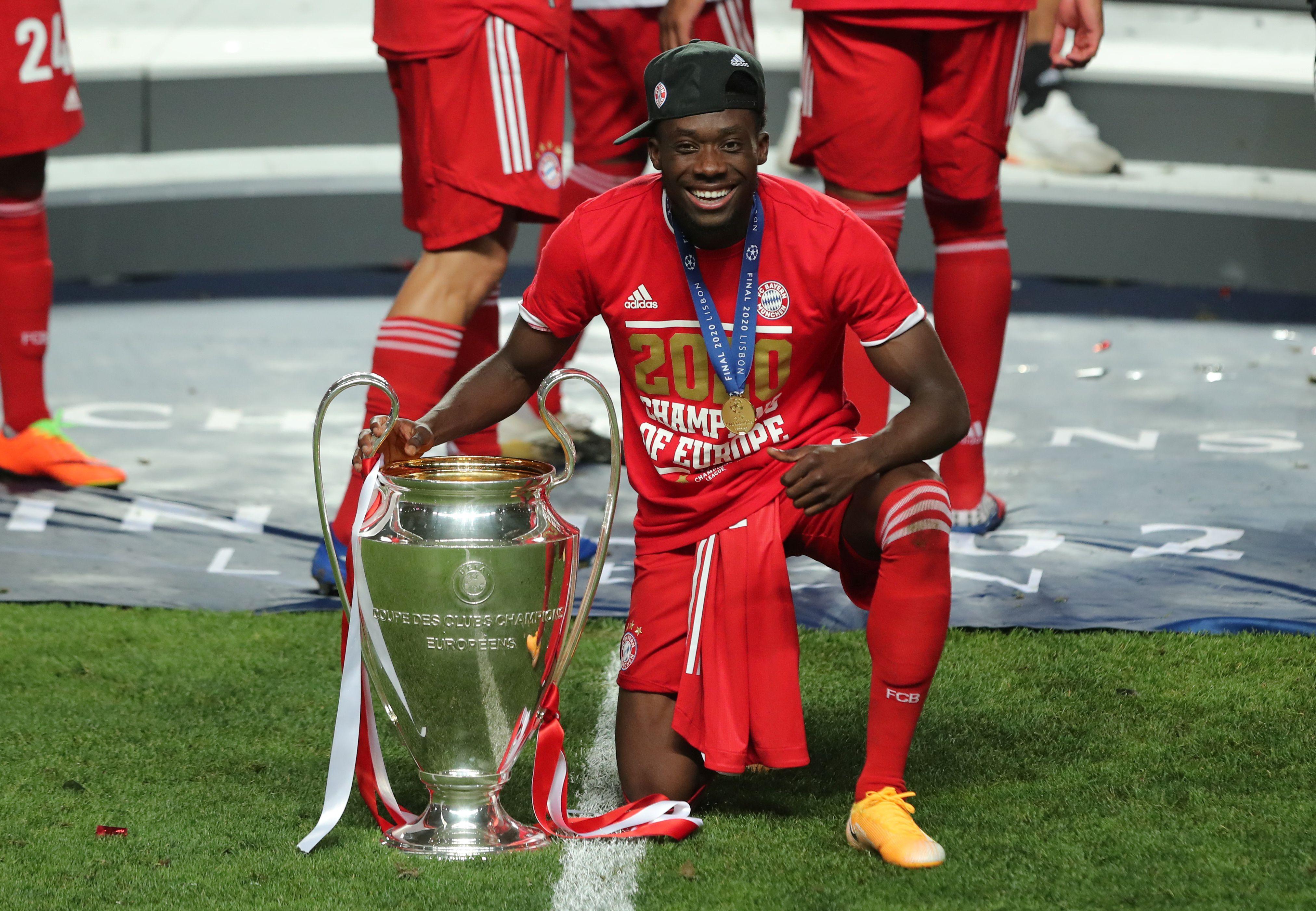 Alphonso Davies se consagró campeón de la Champions League este domingo con el Bayern Munich (Miguel A. Lopes/Pool via REUTERS)