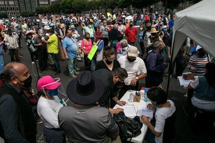 En algunos lugares de México, incluida la capital, ya se comenzaron a colectar firmas desde el fin de semana pasado (Foto: Galo Cañas/ Cuartoscuro)