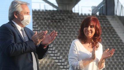 Alberto Fernández y Cristina Kirchner comparten un acto en La Plata