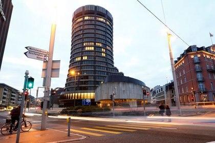 FOTO DE ARCHIVO. La sede del Banco de Pagos Internacionales (BPI), en Basilea, Suiza. 5 de diciembre de 2013. REUTERS/Arnd Wiegmann
