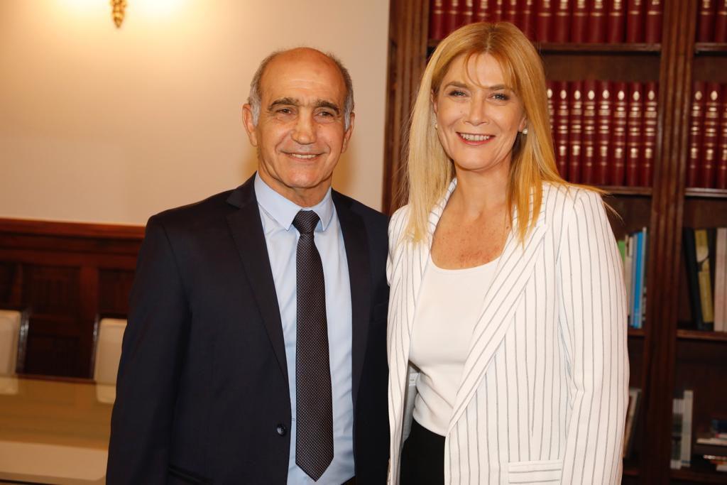 Verónica Magario con Daniel Salvador, en el inicio de la transición en el Senado bonaerense