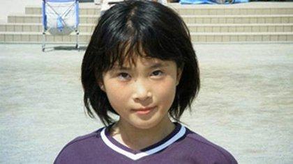 Natsumi Tsuji era una niña dulce, con excelentes notas en el colegio y una alto IQ. Pero algo cambió cuando comenzó a obsesionarse con las series y películas de terror