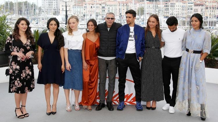 """El elenco de """"Mektoub My Love: Intermezzo"""", antes de su proyección en Cannes (Reuters)"""