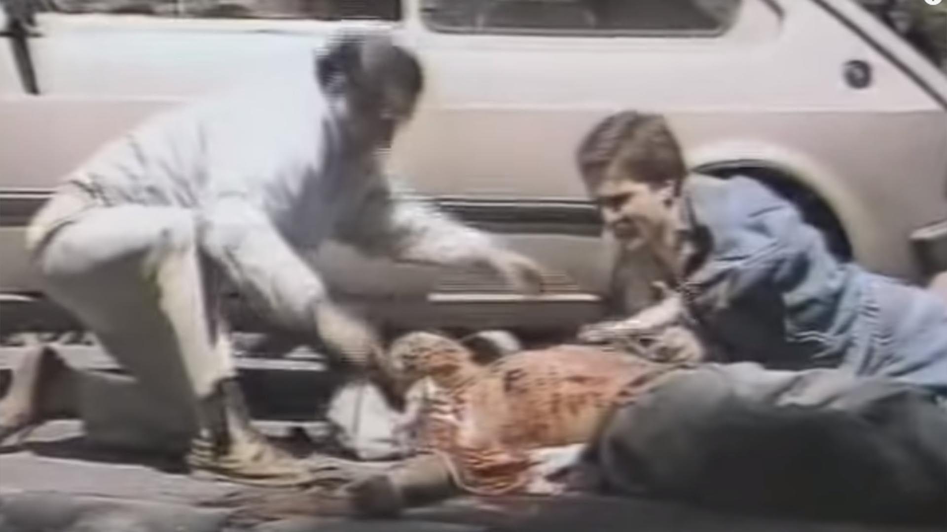 Fernando Carnota. Herido de bala el 3 de diciembre 1990 en el último levantamiento carapintada. Fue operado al día siguiente, estuvo en coma 24 horas y en terapia intensiva durante una semana.