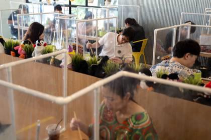 Protección para restaurantes aumentará el uso de este material (Foto: REUTERS/Athit Perawongmetha)