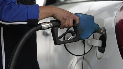 Los combustibles aumentarán un 6% en promedio a partir del fin de semana: cuánto costará el litro de nafta