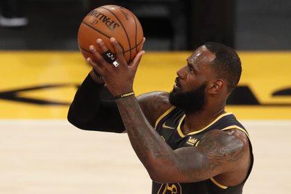 LeBron James sueña con ser dueño de una franquicia de la NBA pero primero tendrá que retirarse (Foto: EFE)