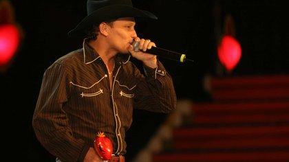 Giovanny Ayala presenta su nuevo sencillo: 'Ese soy yo'