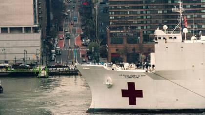 El buque, a la altura de la Calle 42 de Manhattan