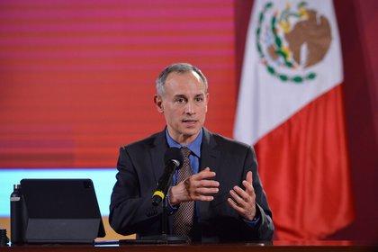 """No cambiará la estrategia"": Hugo López-Gatell ante posible rebrote de coronavirus (Foto: Twitter@HLGatell)"