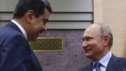 Nicolás Maduro y Vladimir Putin (AFP)