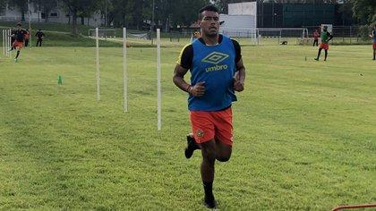 Romario Hernández pensó en buscar otro club por la incertidumbre que generó la Liga de Expansión MX (Foto: Cortesía/ Leones Negros)