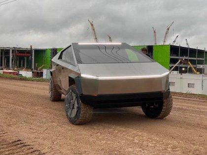 El Cybertruck podría entrar en producción en masa en 2022.