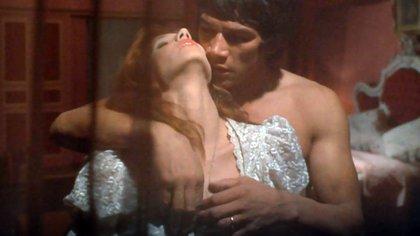 Susana Giménez y Carlos Monzón en una de las escenas de