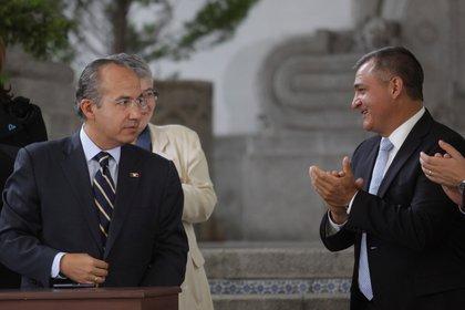El ex presidente Felipe Calderón Hinojosa y su entonces Secretario de Seguridad Pública, Genaro García Luna (FOTO: IVÁN STEPHENS /CUARTOSCURO)