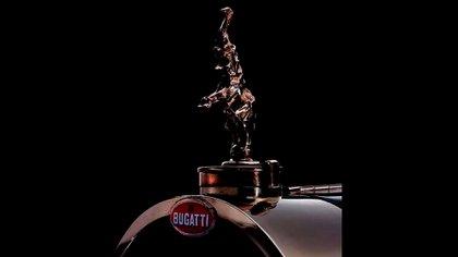 Fue el único modelo de Bugatti que llevó una figura en la tapa del radiador. (Bugatti)
