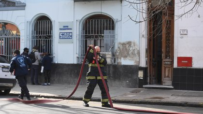 Una de las hipótesis es que el fuego se inició luego de una pelea entre dos abuelos (fotos: Maximiliano Luna)