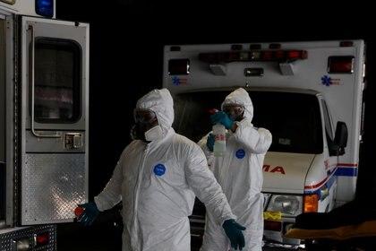 Las autoridades actualmente se unieron con cuatro proyectos de vacuna: Covax, AstraZeneca, CanSino y Pfizer. (Foto: Reuters/Carlos Jasso)
