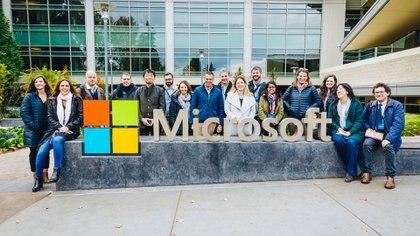 El equipo de periodistas invitados y el personal de Microsoft en Redmond