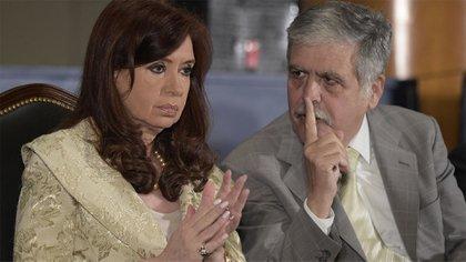 Cristina Kircner y Julio De Vido (archivo/ AFP)